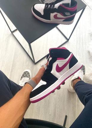 Женские кроссовки nike air jordan 1 retro pink5 фото