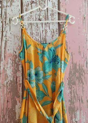 Пляжное платье с цветочным принтом2 фото