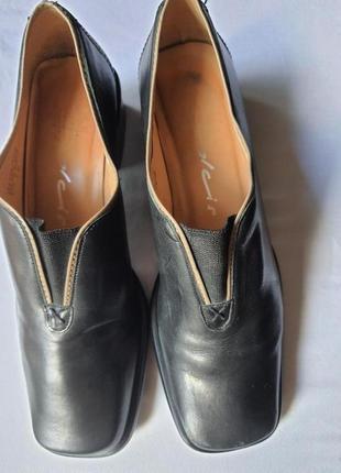 Бразильские фирменные туфли полностью кожа 39 р.