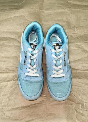 Кроссовки красивого голубого цвета4 фото