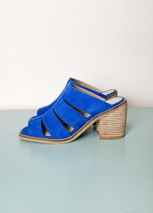 Новые синие замшевые босоножки-мюли shelly's
