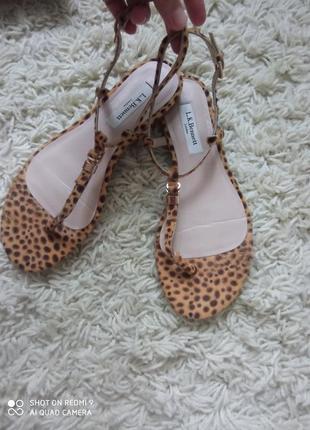 Очень красивые босоножки сандали l.k.bennett1 фото