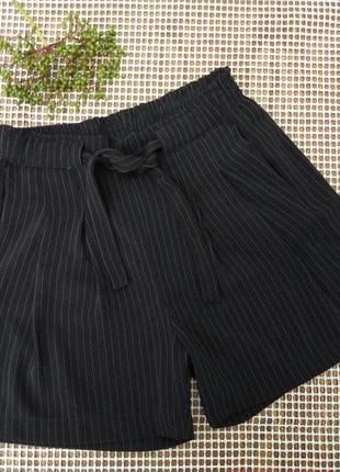 Шикарные шорты размер xs