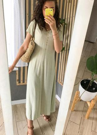 Красиве плаття сарафан фісташкового кольору