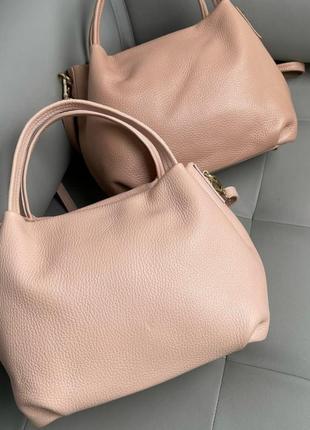 Сумка кожаная женская розовая пудровая кремовая персиковая светлая из натуральной зернистой кожи италия кроссбоди кросс боди небольшие вместительная
