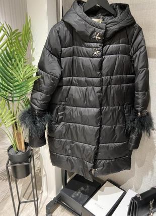 Шикарный тёплый пуховик пальто с капюшоном и перьями страуса