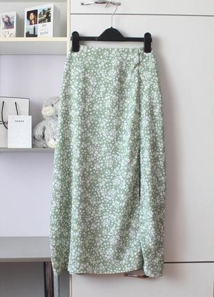 Нежно зеленая миди юбка в мелкий цветочек от primark