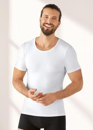 Мужская базовая футболка livergy
