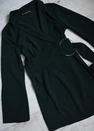 Зеленое платье пиджак на запах , пояс с колечком , размер 12, м