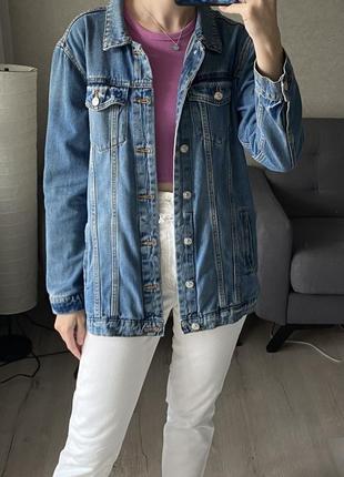 Базовая удлиненная джинсовка, джинсовая куртка mango