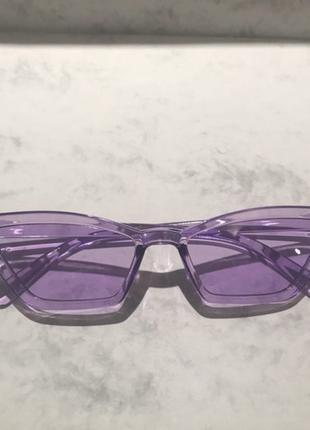 Трендові окуляри лисички