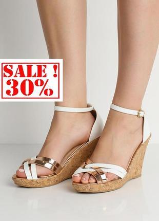 Розпродаж! трендові босоніжки на платформі бренду asos. знижка -30%