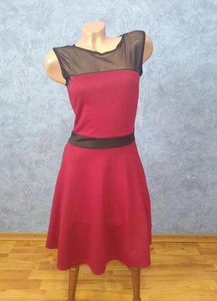 Нарядное платье миди с сеточкой и пышной юбкой