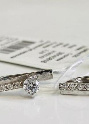 Серебряные серьги в классическом дизайне