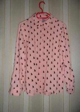 Женская розовая рубашка принт кошки размер 40// l  вискоза