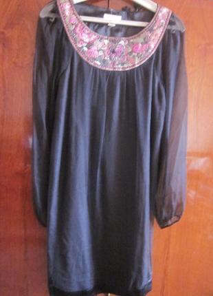 Шелковое платье monsoon s, ручная вышивка, состояние новое