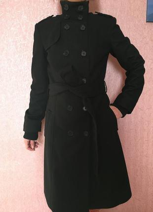 Черное шерстяное пальто mexx
