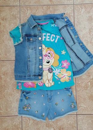 Стильный набор: красивая футболка джинсовая жилетка и шорты
