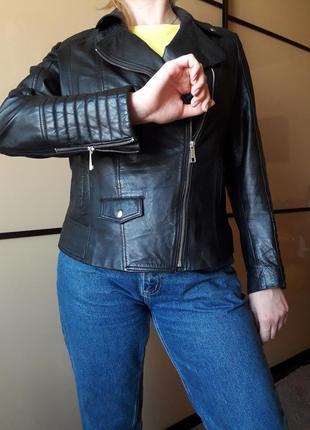 Черная натуральная  кожанаякуртка косуха размер л-14-48  премиум колекцыя от tu