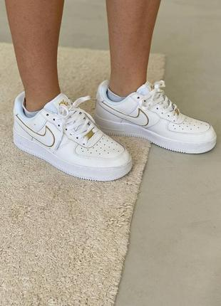 Женские кроссовки nike air force 1 white/gold