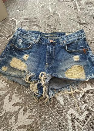 Шорты рванные джинсовые