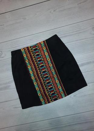 Бархатная юбка с вышивкой