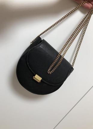 Актуальная базовая сумка от mango