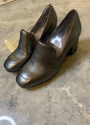 Летняя распродажа 🔥🔥🔥 серые серебристые ботинки на толстом каблуке