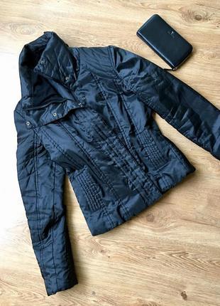 Куртка воротник стойка на молнии и кнопках