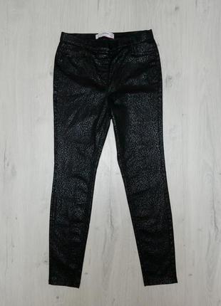 Женские штаны леггинсы под кожу черные блестящие next р. 40 джеггинсы