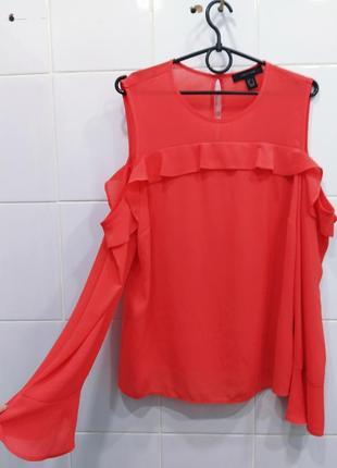 Милая коралловая блуза с открытыми плечиками