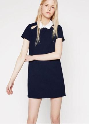 Zara зара платье темное синее с белым воротником и вырезами прямое трапеция классическое