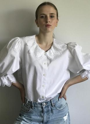 Блуза с красивым отложным воротником и пышными рукавами австрия.