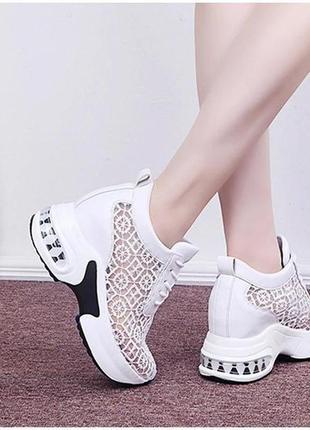 Сникерсы белые  / кроссовки белые