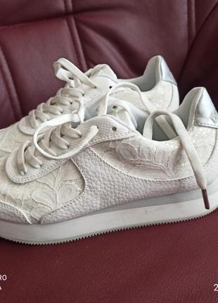 Кросівки білі desiguall оригінал