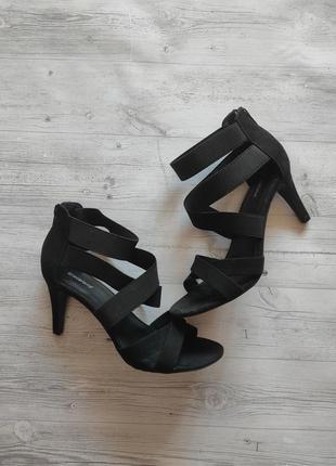 Босоножки на каблуке шпильке, черные туфли с закрытой пяткой high heels 38р.
