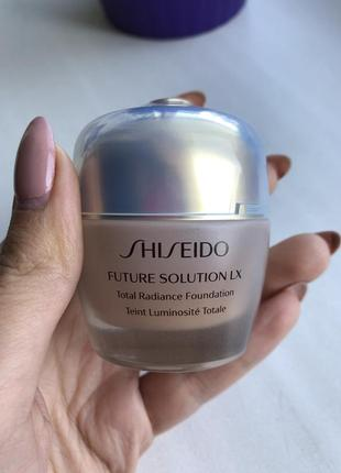 Тональний крем shiseido