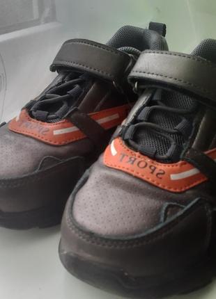 Класні кросовки 30р