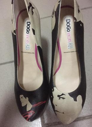 Оригинальные туфли dogo shoes