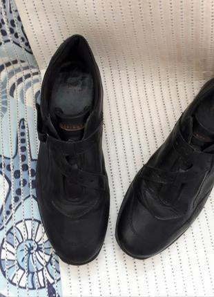 37-38 кожаные туфли бренд