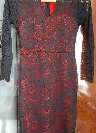 Плаття червоно-чорне, розмір s, довжина міді