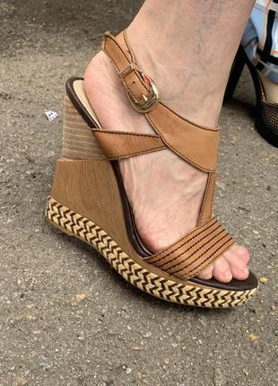 Коричневые босоножки на платформе туфли на каблуке
