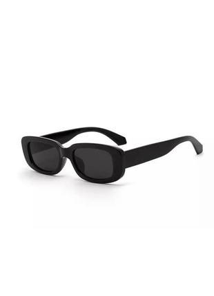 Актуальные прямоугольные массивные очки