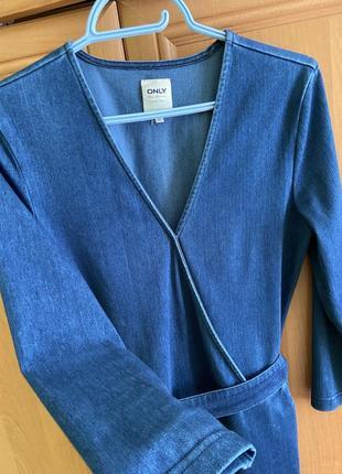 Продам женский джинсовый комбенизон