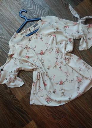 Недная блуза с веточками
