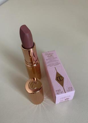 Помада для губ charlotte tilbury matte revolution lipstick - pillow talk