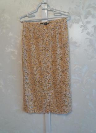 Вискозная юбка миди в мелкий цветочный принт
