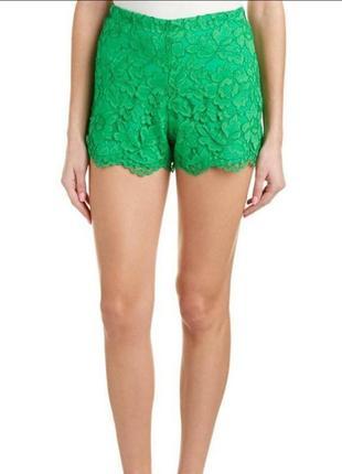 Кружевные зеленые шорты от sandro paris