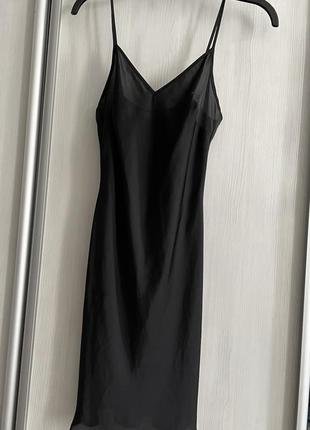 Платье в бельевом стиле