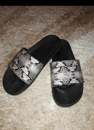 Летние шлепки сланцы сандали